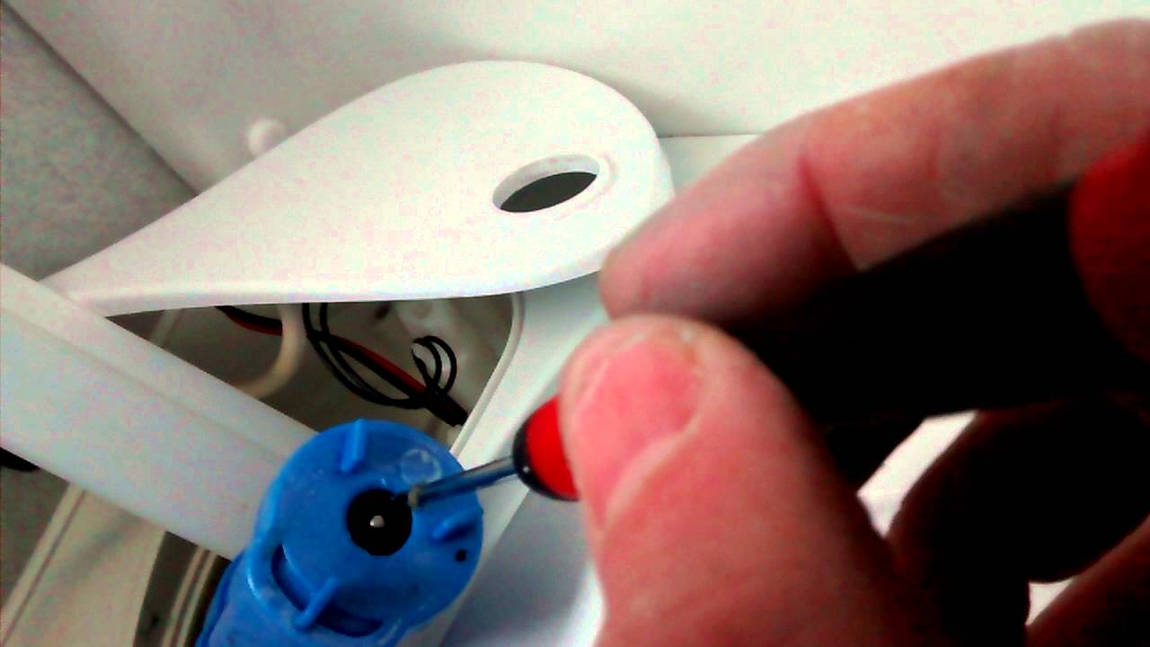 thetford toilet manual flush problems